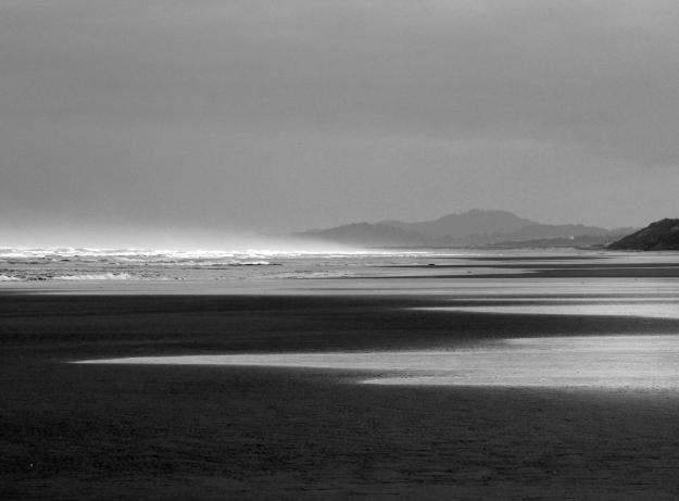 Oregon Beach b&w
