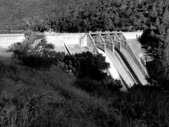 Redinger Dam Spillway bw